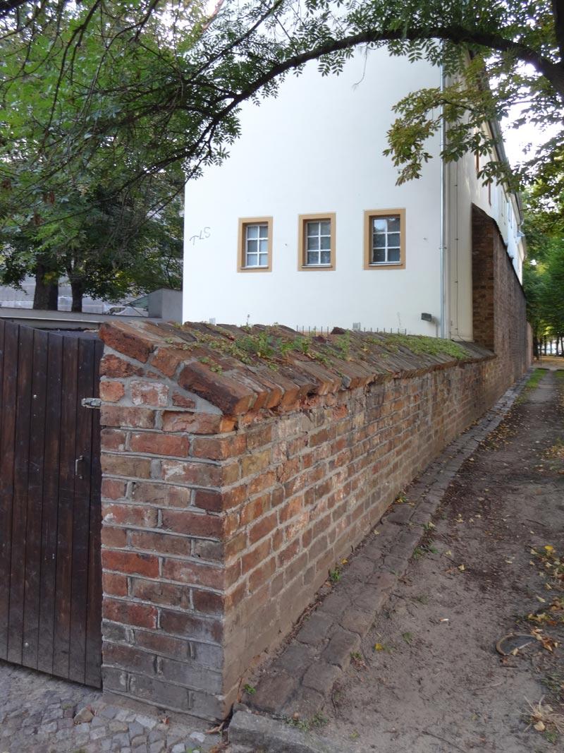Berliner Stadtmauer, Rückwand, Haus