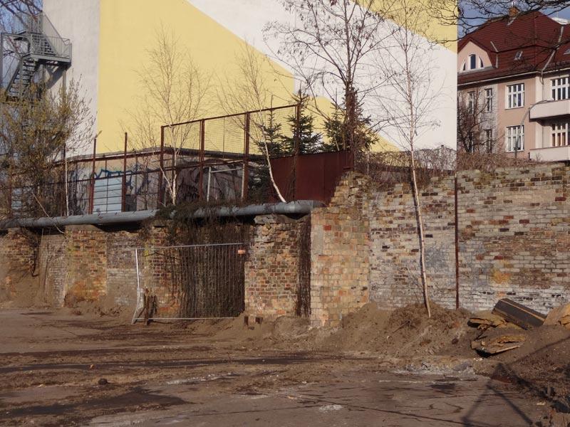 Ziegelmauern - Gelände des ehemaliges Werk II BMHW