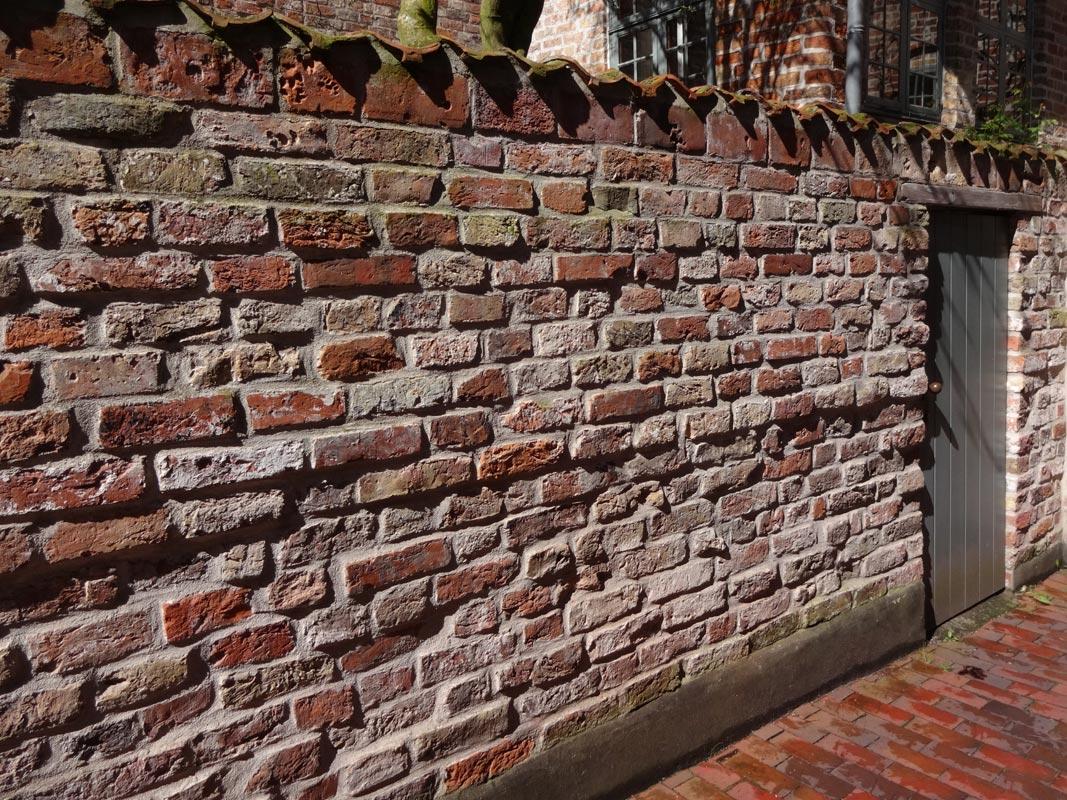 Backsteinmauer, Bäcker-Gang Nr. 43